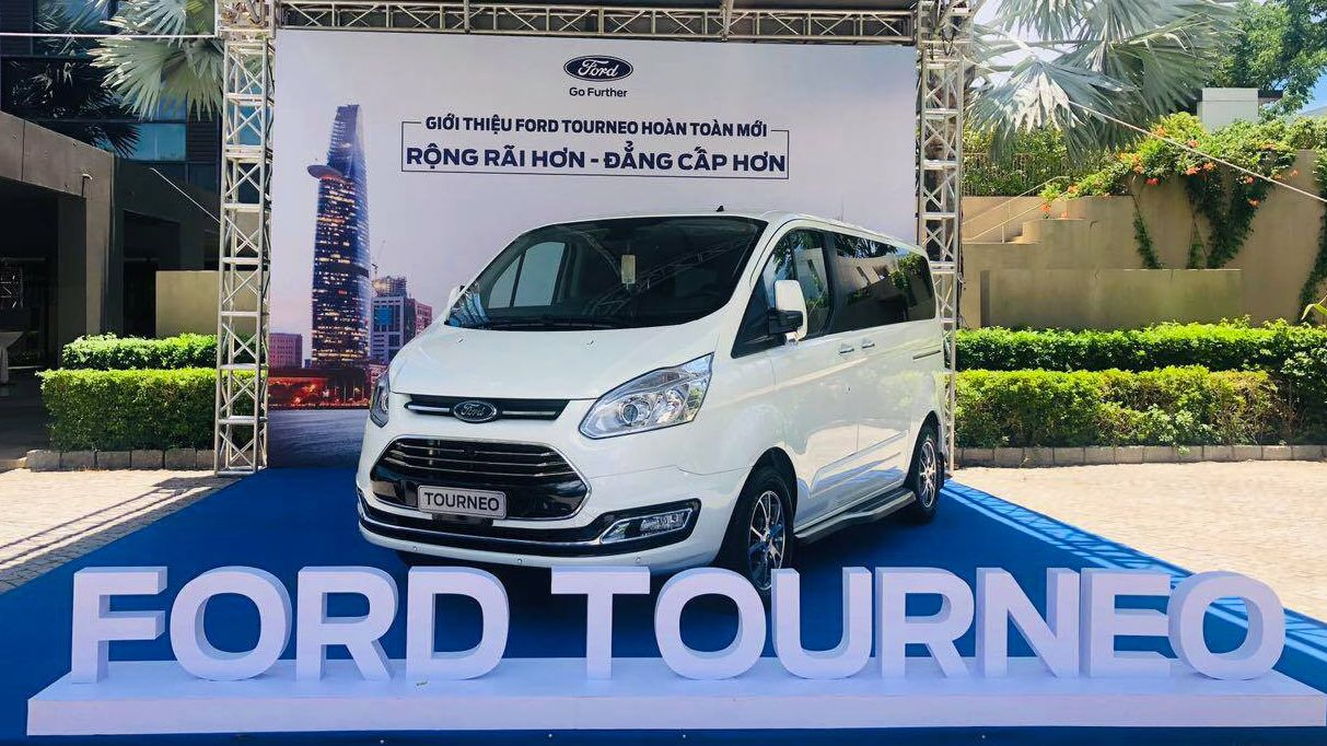 xe-ford-tourneo-3.jpg